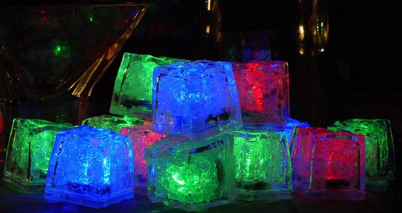 Litecubes® Flashing LED Multi-Color Freezable Ice Cube