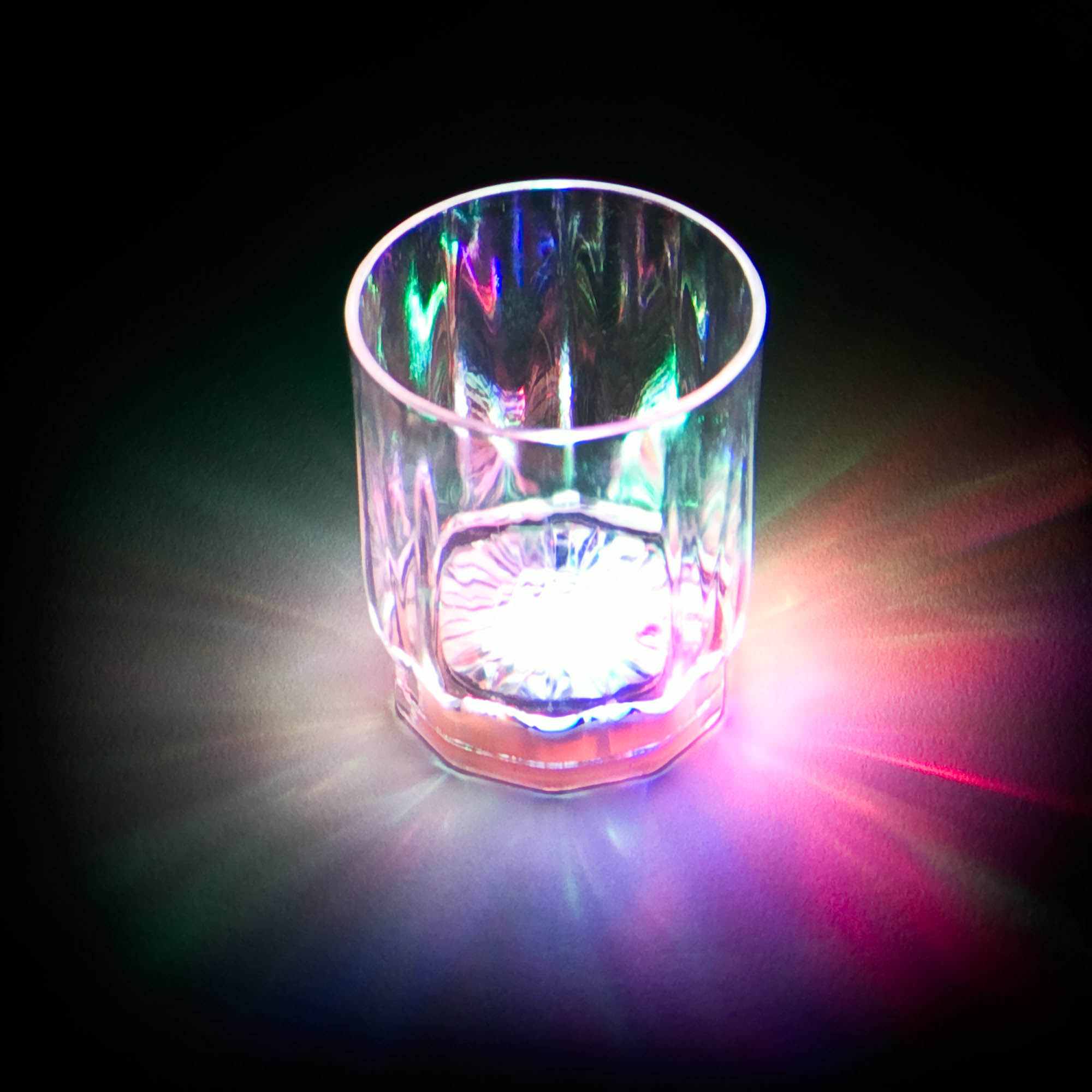 2 oz Flashing Shot Glass, Sl. switch, multicolor, 4 display boxes - 96 units